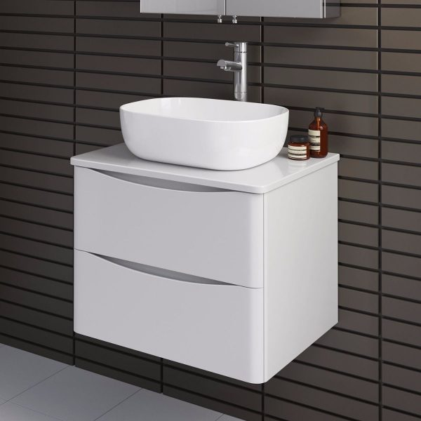600mm-austin-ii-gloss-white-countertop-unit-and-colette-basin-wall-hung-close-up-view-mv2617t5-v5102